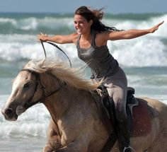 Horseback riding on the beach? Yes please! This is so me, just not the beach but a plowed field.  FREE as the wind.