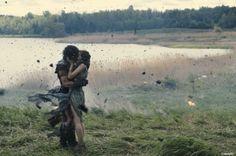 Verbotene Liebe: Sklave Milo (Kit Harington) und Cassia (Emily Browning)