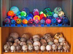 Minerals And Gemstones, Crystals Minerals, Rocks And Minerals, Stones And Crystals, Glow Rock, Rock Tumbling, Rock Collection, Crystal Collection, Cool Rocks