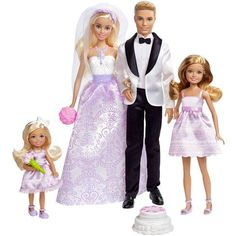 Superb Barbie Wedding Gift Set Now at Smyths Toys UK. Shop for Barbie At Great Prices. Click & Collect Within 2 Hours! Free Home Delivery for Account Holders Mattel Barbie, Barbie Und Ken, Barbie Dress, Barbie Clothes, Barbie Barbie, Play Barbie, Barbie Style, Wedding Sets, Wedding Bride
