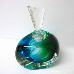 Authentic Vintage Murano Italy Signed Mandruzzato Sommerso syle glass perfume bottle. c.1970's. Etched signature to base.    1st Quality Vintage & Antiques