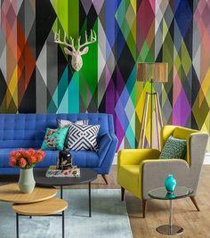 Graphic, bold prints in the background! #WeLove #Interiorfever #InspirationHour #MondayMood #HomeDecor