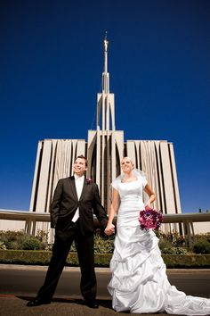 Matt Shumate Photography at the LDS Seattle Temple wedding bride and groom  portrait