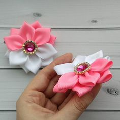 Items similar to SET of 2 White-Pink Flower, White-Pink hair piece, kanzashi hair clip on Etsy Ribbon Art, Ribbon Crafts, Ribbon Bows, Flower Hair Bows, Diy Hair Bows, Ribbon Embroidery Tutorial, Ribbon Sculpture, Easy Diy Gifts, Kanzashi Flowers