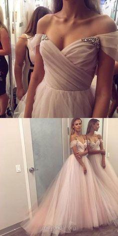 Long Prom Dresses, Ball Gown Prom Dresses, 2018 Prom Dresses Off-the-shoulder, Tulle Prom Dresses Beading, Modest Prom Dresses For Teens #longpromdresses