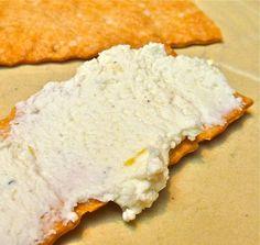 Homemade farmer's cheese recipe and tutorial. How To Make Cheese, How To Make Bread, Food To Make, Homemade Butter, Homemade Cheese, Cheese Recipes, Cooking Recipes, Healthy Recipes, Farmers Cheese