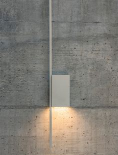 Structural lamps were created for Vibia by the designer Arik Levy. A collection of wall lamps that combine direct and indirect led light through cubic volumes that form sculptures integrated into the architecture of each space. Bedroom Lighting, Wall Sconce Lighting, Interior Lighting, Light And Space, Residential Interior Design, Modern Floor Lamps, Antique Lamps, Wall Lights, Wall Lamps
