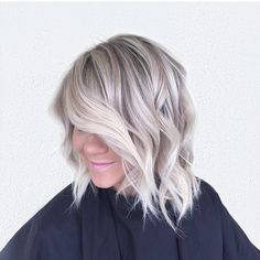 Icy/ash blonde with copper/lavender tones 14 Of the Famous Icy Blonde Hair Color. Icy/ash blonde w Blonde Hair Colour Shades, Cool Hair Color, Ombre Blond, Blonde Balayage, Short Ombre, Balayage Highlights, Light Ash Blonde, Icy Blonde, Winter Blonde Hair