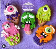 Halloween Cookies Decorated, Halloween Treats, Iced Cookies, Yummy Cookies, Cookie Designs, Cupcakes, Cheesecake Recipes, More Fun, Instagram