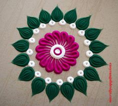 Here are some very easy and simple rangoli designs you can make them at any festival. Simple rangolis are the best choice. Easy Rangoli Designs Videos, Rangoli Designs Simple Diwali, Simple Flower Rangoli, Rangoli Designs Latest, Rangoli Designs Flower, Free Hand Rangoli Design, Small Rangoli Design, Rangoli Border Designs, Rangoli Ideas