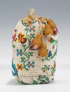 Linen beaded coin purse, c1790-1810. Metropolitan Museum of Art.