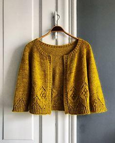 Ravelry: Magnolia Chunky Cardigan pattern by Camilla Vad