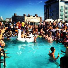 #rooftop #rooftoppool #rooftopparty