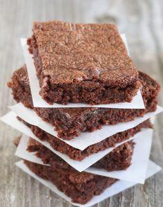 http://kirbiecravings.com/2013/02/easiest-3-ingredient-nutella-brownies.html