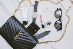 Lisa Hamilton, Fashion and Travel Blogger #flatlay #flatlayapp #flatlays
