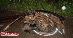 Xe máy đối đầu ô tô trong đêm, 2 người chết