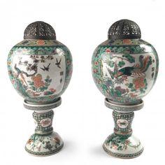 Chine, paire de lanternes en porcelaine famille verte, XIXe siècle