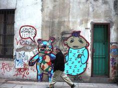 Cortada Dellepiane... y un oso que le avisa al adulto... asustan los zombies!