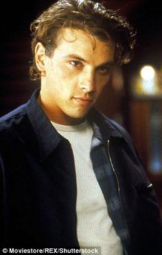 Skeet Ulrich played Sidney's killer boyfriend Billy Loomis in Scream. Hot Actors, Actors & Actresses, Scream Movie, Johny Depp, Z Cam, Big Sean, Scary Movies, Celebrity Crush, Artists