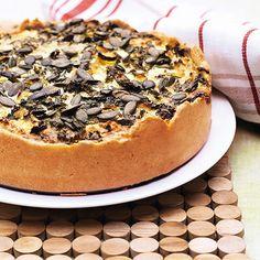 Krämig vegetarisk paj, perfekt för smörgårdsbord och buffé. Feta, Halloumi, Sliders, Vegetable Pizza, New Recipes, Food And Drink, Vegetarian, Lunch, Dinner