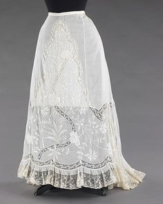 Petticoat Date: ca. 1900 Culture: French Medium: cotton, linen Dimensions: Length at CB: 45 in. (114.3 cm) Credit Line: Brooklyn Museum Costume Collection at The Metropolitan Museum of Art, Gift of the Brooklyn Museum, 2009; Gift of Mrs. William F. Knief, 1966