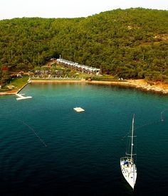 Ortunc Hotel - Cunda Island (Adult Only) Ayvalik (Balikesir) Ortunc Hotel is situated in a secluded bay at the tip of the Lesbos Cunda Peninsula. It features diving and water sports facilities and provides free Wi-Fi throughout the hotel. Wonderful Places, Great Places, Beautiful Places, Turkey Photos, Destinations, Sail Away, Turkey Travel, Istanbul Turkey, Holiday Travel