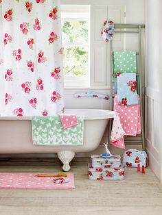 Ashley Thomas floral towels and bathroom