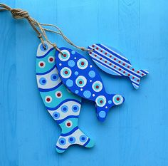 Blue Wavy Fishie Bunch Bunch of wooden fish [] - :. Fish Crafts, Beach Crafts, Diy And Crafts, Arts And Crafts, Christmas Decorations For Kids, Preschool Christmas, Christmas Crafts, Deco Nature, Wood Fish