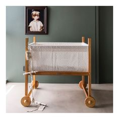 And off to bed (almost) 😴! Here's the gorgeous Oriente crib by @krethaus. This range's evolutionary cot bed was also featured in the latest @absolutelymama. Swipe. Huge thanks @hel_bow 💚