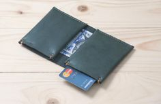 Personalized Bifold Leather Wallet / Ultra Slim and Minimalistic Wallet / Hand Stitched / Forest Green