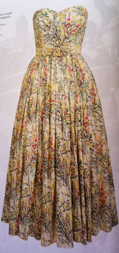 I'm in love!!! I need this dress! #vintage #print