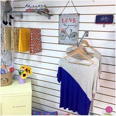 Fronhas fofas, plaquinhas decorativas, blusinhas... só lindezas por aqui! <3 #Vemprazas