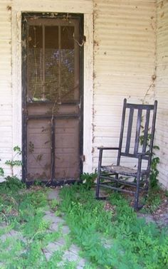 Old Farm House. The screen door! Would love to have one. This style was very common in my neck of the uh...er..'mesquite' woods. Takes me right back to W. Jones, Hollis, Oklahoma and the heat on Grandma Curb's back porch!