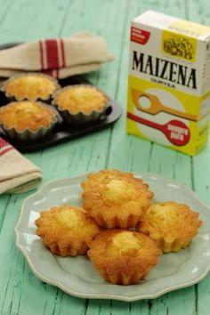 A Maizena  é um produto que tenho sempre entre os ingredientes imprescindíveis cá em casa. Para preparar molhos, ficam tão aveludados, p... Portuguese Desserts, Portuguese Recipes, Cookbook Recipes, Cooking Recipes, Good Food, Yummy Food, Sweet Cakes, Desert Recipes, Cupcake Recipes