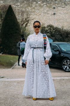 See Every Unforgettable Street Style Outfit From Paris Fashion Week Right Here, Right Now African Maxi Dresses, African Fashion Ankara, Latest African Fashion Dresses, African Print Fashion, African Attire, African Lace Styles, Lace Dress Styles, Fashion Tips For Women, Pretty Dresses