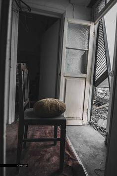 a casa velha de steve pereira- cineadd Dining Chairs, Furniture, Home Decor, Pereira, Abandoned Houses, Dining Chair, Interior Design, Home Interior Design, Dining Table Chairs