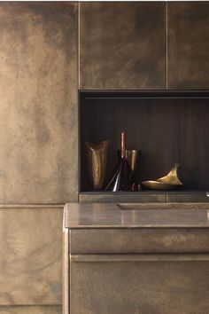 KITCHEN WITH ISLAND LINGOTTO BURNISHED BRASS   XERA BY AREX