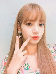 Shared by BLACKPINK PICS. Find images and videos about kpop, rose and blackpink on We Heart It - the app to get lost in what you love.