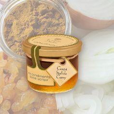 chutney de ceapa cu curry si stafide isi trage calitatea dintr-o atenta selectionare a legumelor din diverse regiuni ale Romaniei.