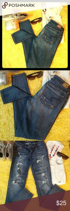 American Eagle Jegging super stretch skinny jeans American Eagle Jegging super stretch skinny jeans distressed medium dark wash size 4. Love these jeans, I barley wore them because they were too big on me. Very good condition. American Eagle Outfitters Jeans Skinny