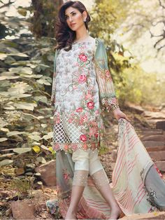 Emaan Adeel Embroidered Lawn Collection Pakistani Casual Wear, Pakistani Outfits, Indian Outfits, Pakistani Lawn Suits, Girls Frock Design, Short Frocks, Traditional Outfits, Traditional Styles, Pakistani Couture