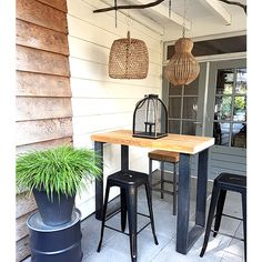 Outdoor Bar Table, Dinning Table, Table And Chairs, Garden Living, Home And Garden, Bbq Bar, Bbq Pitmasters, Small Outdoor Spaces, Plant Decor