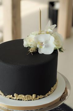 Shades of Black and Gold | Fabulous 40 Birthday Celebrations