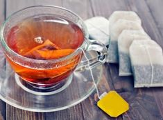 Oolong Tea For Weight Loss, Has your self-confidence taken a beating over repeated failed attempts to lose weight? Want to lose weight but can't give up on food? Don't worry; Weight Loss Tea, Lose Weight, Used Tea Bags, Herbal Detox, Herbal Teas, Thé Oolong, Best Detox, Tea Powder, Tea Brands