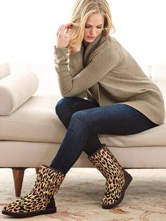 We love these UGG Exotic Cheetah print boots! They look great with skinny jeans and a natural color top!
