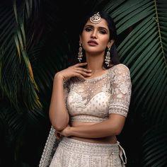 White net blouse design with work Netted Blouse Designs, Blouse Designs High Neck, Simple Blouse Designs, Stylish Blouse Design, Bridal Blouse Designs, Pakistani Bridal, Bridal Lehenga, Net Blouses, Lehenga Skirt