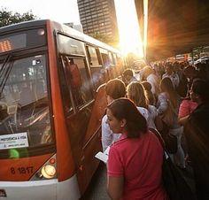 Frota de ônibus encolhe, mas número de passageiros cresce 80% em 8 anos