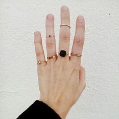 Natural Diamond Engagement Ring Set Yellow Gold Flower Rings Diamond Engagement Ring with Matching Band - Fine Jewelry Ideas Piercings, Bling, Schmuck Online Shop, Ringe Gold, Ring Set, Ring Ring, Druzy Ring, Soft Grunge, Grunge Hair
