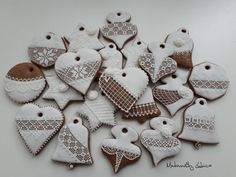 Felt Crafts, Sugar Cookies, Christmas Holidays, Gingerbread, Cupcakes, Delicate, Baking, Desserts, Decorations