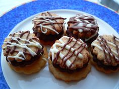 Vánoční pečivo | brydova.cz Graham Crackers, Waffles, Muffin, Food And Drink, Cookies, Breakfast, Kuchen, Crack Crackers, Morning Coffee